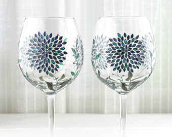 Wine Glasses with Hydrangea Design, Wedding Glasses, Hand Painted Glasses with Swarovski  Crystals, Floral Wine Goblets, Set of 2