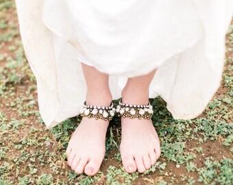Pair of boho chunky anklets, bohemian bridal anklets, pearl anklet, boho wedding, chunky pearls, large pearls, Swarovski, gypsy, beach