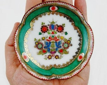 Vintage Folk Enamel Ring Dish with Doves from Steinböck Austria in Green and Gold