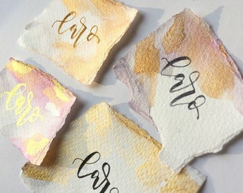 Hand-lettered watercolor place cards for your dream wedding, baptism, birthday, banquet … .