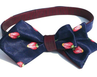 Mens self tie summer fruit bow tie, italian pure silk satin, dark blue with red strawberries, freestyle, reversible, unique style, tie-able