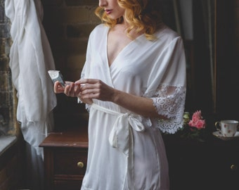 White Lace Bridal Robe | Bridesmaid Robes | Getting Ready Robe | Wedding Robe | Gift for Bride | Wedding Gift | Lace Sleeves | Lailah