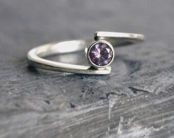 Sterling Silver ring Alexandrite Gemstone lilac pink Sterling Silver Ring, Hand forged Ring Contemporary Design