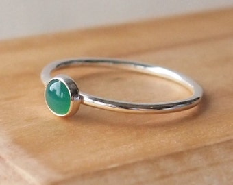 Green Agate Ring  - Green Agate Silver Ring -  Green Gemstone Stacking Ring -Emerald Green Ring - Dainty Ring - Delicate Ring - Simple Ring