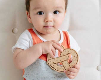 Wood Baby Teether - Pretzel Toy - Wood Teether - Teething Toy - Baby Shower Gift - Sensory Toy - Wooden Baby Toy - Pretty Packaging