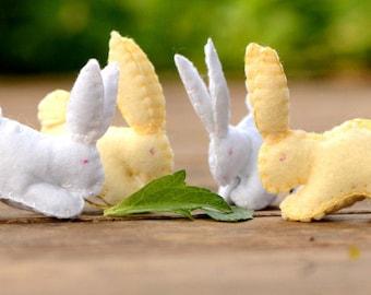 feutre de lapin, animaux, lapin de Pâques en feutre, des jouets en feutre, feutre de lapin, petits animaux en feutrine, jouets Waldorf, cadeau de Pâques pour les enfants, jouet Montessori