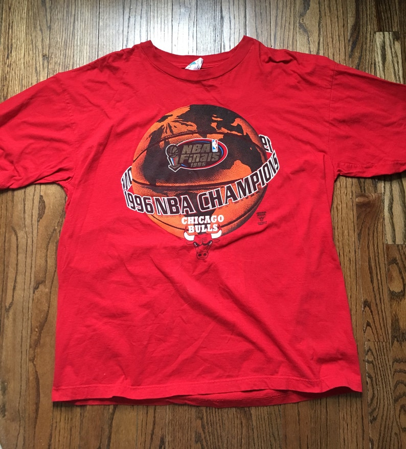 10fff7c75ce6be Vintage 1996 Chicago Bulls World Champions T Shirt Size XXL