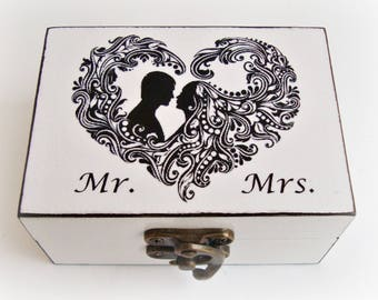 Personalized wedding ring box, Ring bearer pillow, Ring bearer box Wedding Ring Holder White Wedding Ring Box, Mr. and Mrs. bride and groom