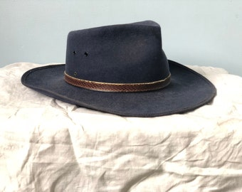 45fad98adc3e2 Vintage Bardsley hat. Australain made. Navy colour. Amazing cowboy   akubra  style. Genuine fur felt.