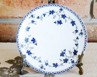 Royal Doulton English Translucent China, small side, bread, butter plate Yorktown pattern c 1964, high tea