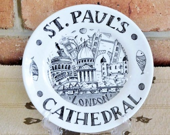 St Paul's Cathedral London ceramic souvenir plate by Foster Gearing 1990s