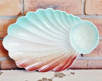 Royal Winton vintage 1950s footed shell plate, serving platter, ideal chip and dip tray, made in England