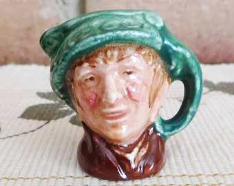 Royal Doulton miniature character jug 'Arriet D6256 designed by Harry Fenton 1940s collectible