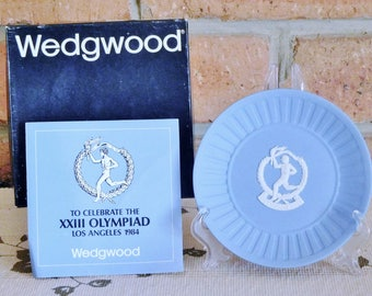 Wedgwood blue Jasperware 1984 Los Angeles Olympics souvenir collectable plate, original box, certificate