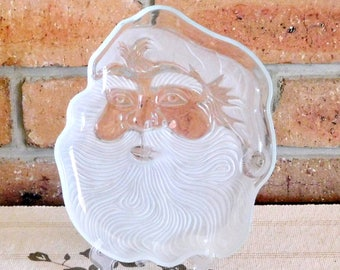 Santa vintage 1970s frosted glass plate, etched glass, gift idea, Kris Kringle