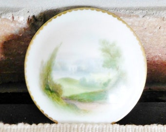 Royal Worcester England vintage 1912 fine porcelain orphan lid featuring hand painted rural scene, display piece