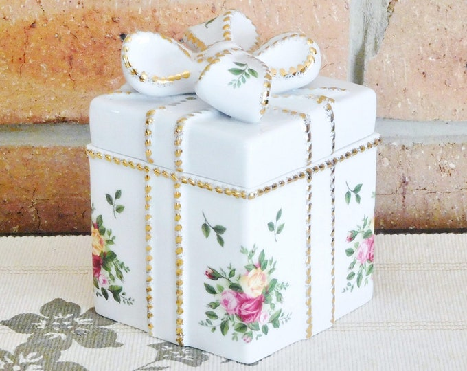 Featured listing image: Royal Albert Old Country Roses vintage 1962 rare fine bone china trinket or jewelry box in shape of present with bow