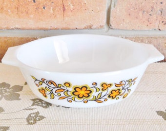 JAJ Pyrex 505 vintage 1960s small oven proof casserole dish, made in England