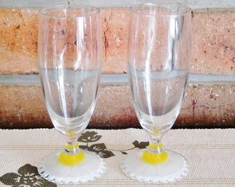 Vintage pair 1970s champagne toasting flutes with frosted daisy base engagement or wedding gift