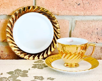 Classic Fine China Australia 22ct gold plated tea cup, saucer and side plate trio vintage 1960s