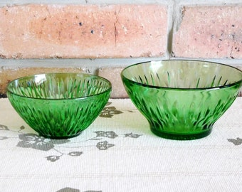 Emerald green glass vintage bowls, 1960s, nuts, sweets, dips, entertaining, gift idea