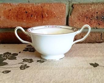 Wedgwood vintage 1970s double handle cups consommé bouillon bowl, Art Deco style