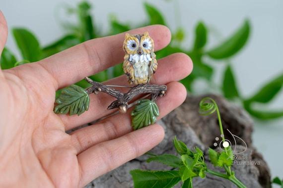 Brooch. Glass owl brooch pin. Cute small owl jewelry for dress sweater shawl. Murano glass owl sculpture. Glass enamel pin
