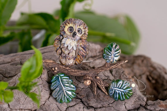 OWL pin. Lampwork glass brooch with owl and acorn. Oak tree branch brooches for ladies Jewelry gift idea for her lady mother. Cute owl gifts