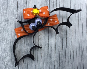 Bat Hair Bow Clip // Halloween Hair // Halloween Bat Hair Clip // Bat Bow // Bat Barrette // Bat Hair Clip // Halloween Hair Clip //Cute Bat