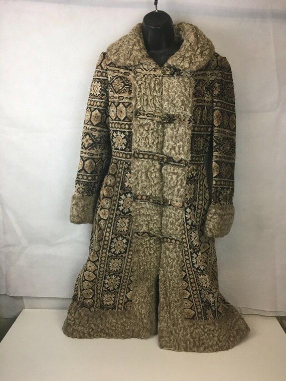 VTG 60s Long Winter Chenille Carpet Tapestry Coat