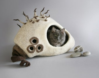 cat cave, cat house, cat bed, pet bed, beige, white, brown, OOAK cat bed, Gift idea, Exclusive cat house, Eco friendly gifts whimsical decor