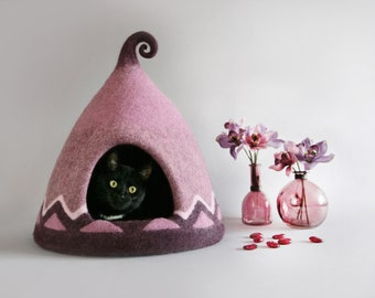 Cat house Cat cave Cat bed Home decor Gift cat lover Burgundy Nordic Scandinavian Natural wool Eco friendly