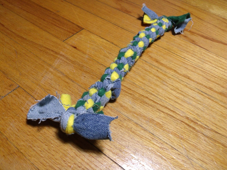Rope Medium Recycled  Dog Toy    Green & Yellow image 0