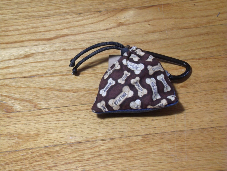 Poop Bag Dispenser Dog Biscuit Print w/Biodegradable Bags No Balm