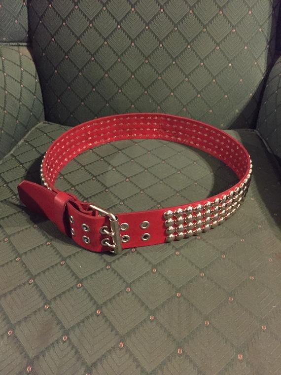 consegna veloce stati Uniti acquisto speciale Cintura in pelle con borchie di fatto quattro di fila rossa