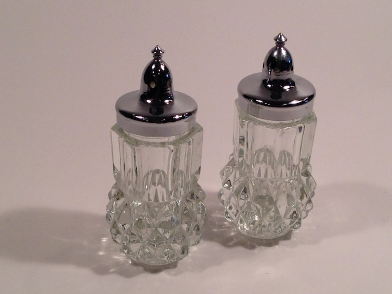 Vintage Diamond Cut Crystal Salt And Pepper Shakers Circa 1940/'s-1950/'s #226
