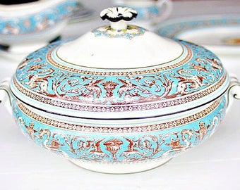 Vintage Wedgwood Florentine Turquoise Covered Vegetable Bowl | Vintage Serving Bowl, Florentine Vegetable Bowl, Turquoise Bowl