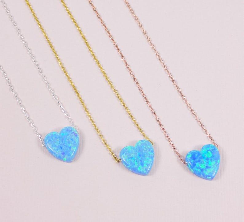 058d546ba07e Collar de Corazon. Collar con Opalo de Corazón Azul Claro.