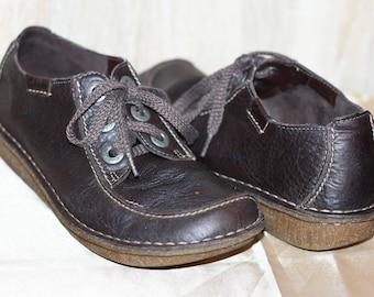 65ec406d86e4 Vintage Moccasin Clarks Ladies Leather Brown Shoes