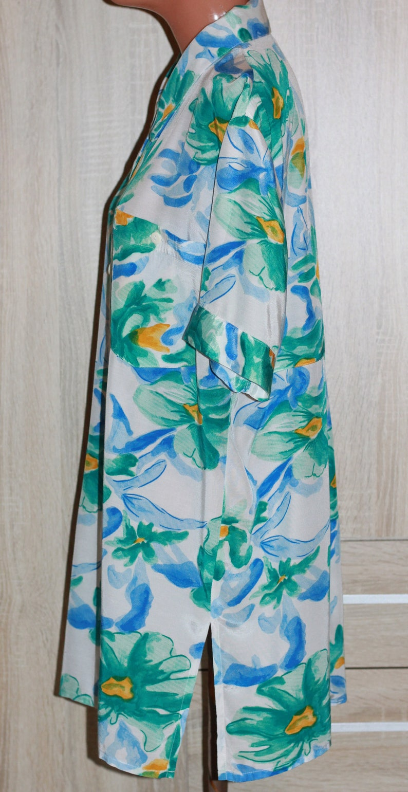 Oversized Blouse Short Sleeves,White Blue Green color Size M Vintage style Tunic