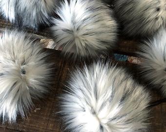 ThreadHead Knits Co - ARCTIC FOX - Faux fur pom poms