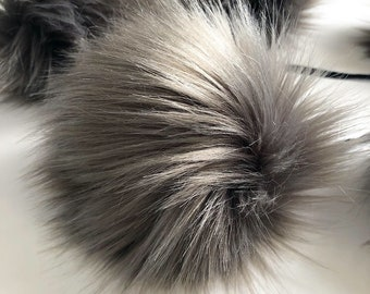 ThreadHead knits Co - METEOR - faux fur Pom Poms