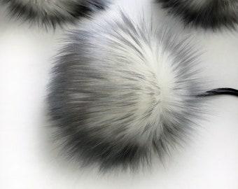 ThreadHead Knits Co - GREY FROST - Faux fur Pom Pom