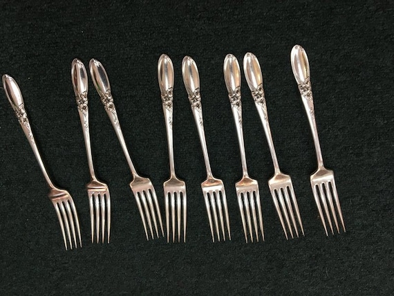 """ONEIDA COMMUNITY SILVERPLATE /""""WHITE ORCHID/"""" PATTERN 6 DINNER KNIVES 9 3//8/"""""""