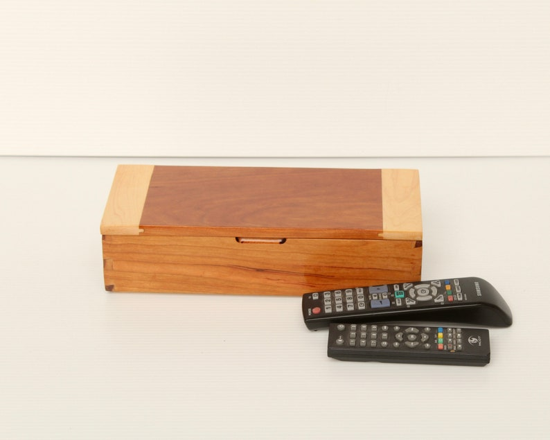 Elegant Remote Control Storage Case  Glossy image 0