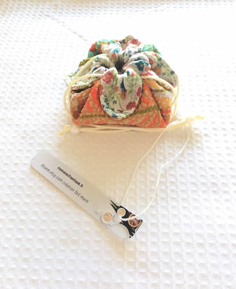 Small bursary chaplain original fabric in relief multicolored multicolored mint green shade of 9 cm