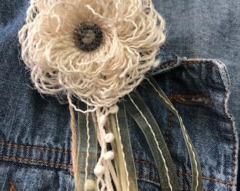 Handmade Brooch, Handmade Pin, Vintage lace Brooch,