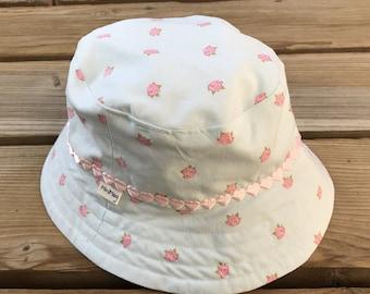Bucket Hat sparkly crowns  632c8db3311