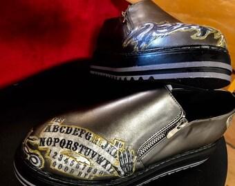 712bc7fcf5b2e NWT Spiritboard shoes Embellished metallic black zipper shoes Womens us9