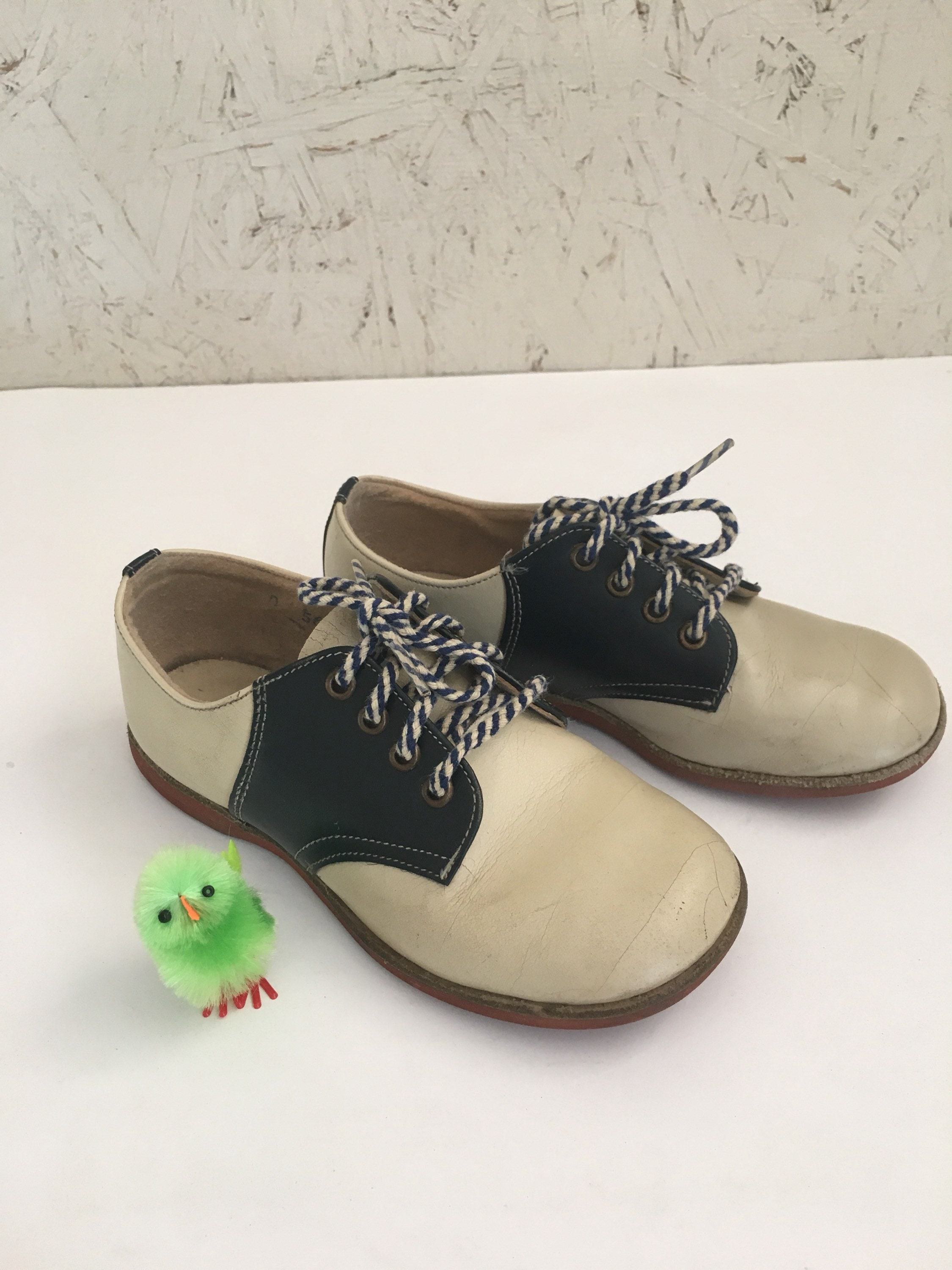 29aacc8a8b5c1 Vintage 60s 70s Kids Saddle Oxford Shoes Size 8-9 Toddler